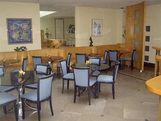 Atlantic Hotel:                                                       Breakfast room