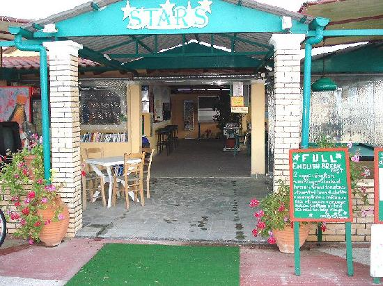 Stars Hotel: Library/ Bar/ Pool table