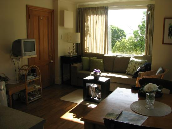 Austinvilla Bed and Breakfast : Garden suite's livingroom