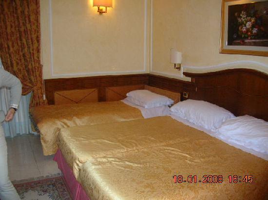 Hotel Hiberia: Habitación cuadruple,fantasticaaa