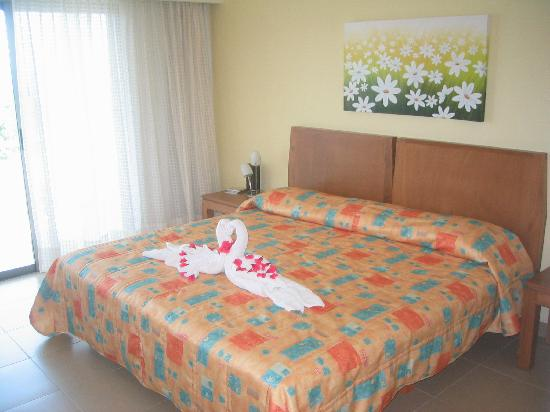 Riviera Maya Suites: One of the bedrooms