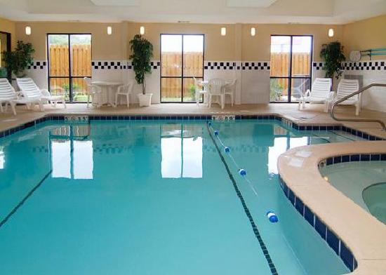 Comfort Suites : Indoor Pool