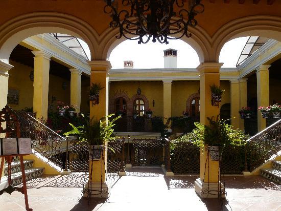 Mineral de Pozos, México: Entrance