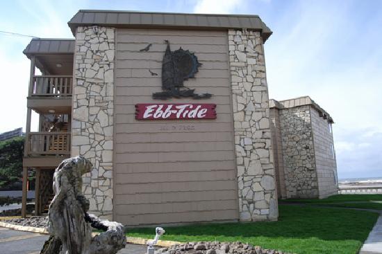 Ebb Tide Oceanfront Inn: Exterior