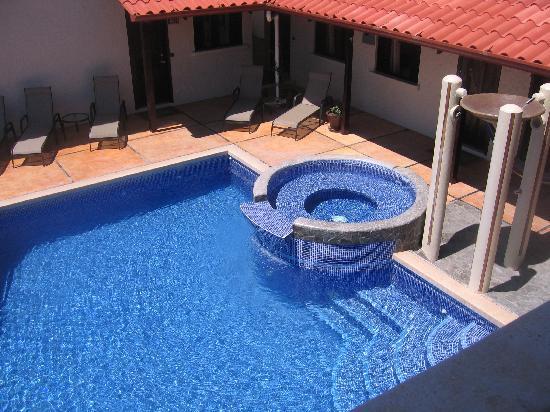 Casa MarBella: Pool view
