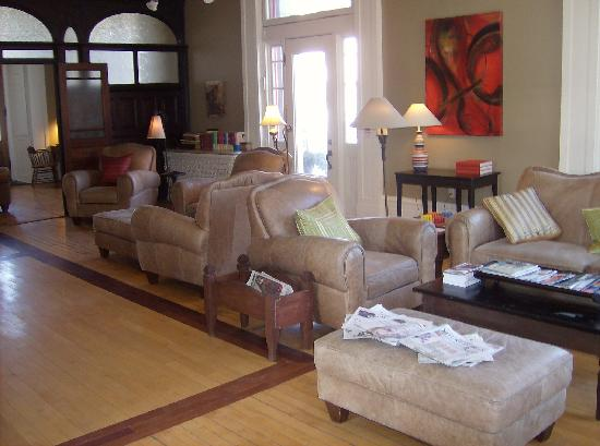 Frontenac Club Inn : main sitting room at the Inn