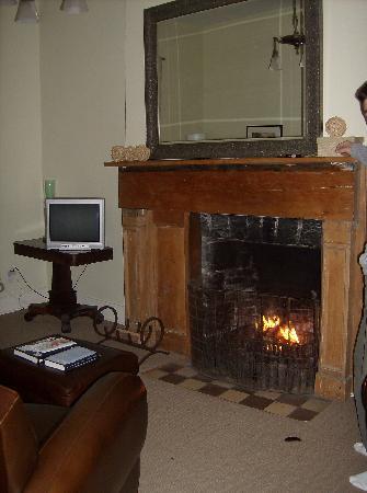 Frontenac Club Inn : living room