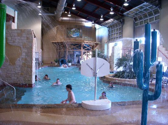 Indoor pool picture of hyatt wild oak ranch san antonio for Hotels in dallas tx with indoor pool