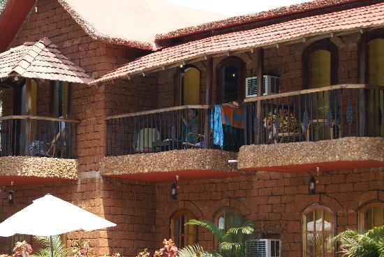 Sea Breeze Beach Hotel: Nice rooms and balcony