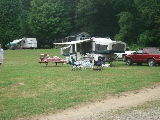 Hickory Hill Family Camping Resort: Our campsite