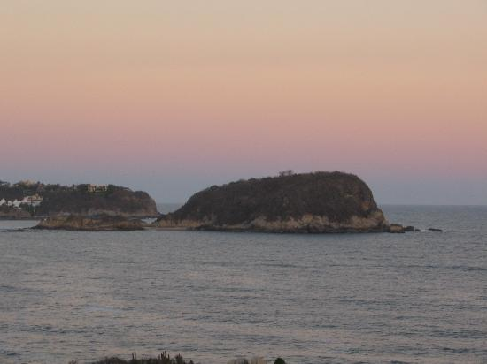 Montosa Island: AM