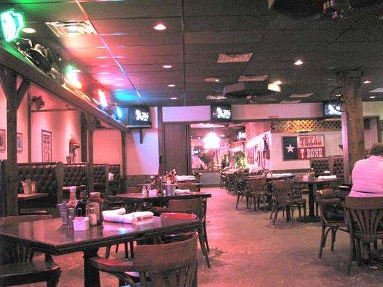 Texas T-Bone Steakhouse: Dinning room