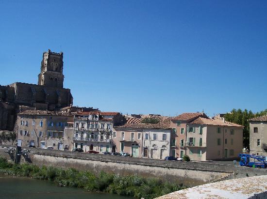 Pont-Saint-Esprit, France : Village of Pont St Esprit