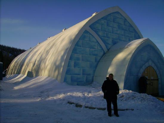 Chena Hot Springs Resort: ice hotel
