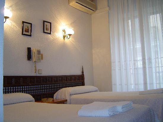 Hostal Esmeralda: la chambre