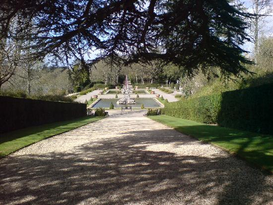 The Kings Arms Hotel and Restaurant: Blenheim Palace Gardens