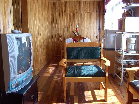 Nidia Lodge: Living room
