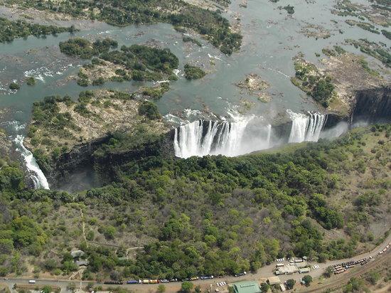 شلالات فيكتوريا, زيمبابوي: Main Falls aerial
