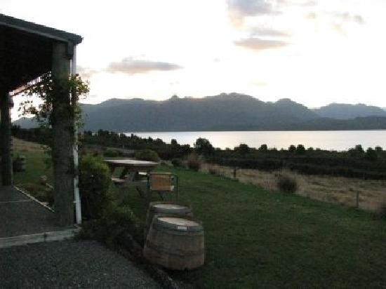 Loch Vista Lakeview Accommodation: view from Lochvista
