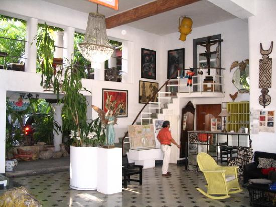 Hotel Trinidad Galeria: Main Hall of Hotel Trinidad Galeria, Merida