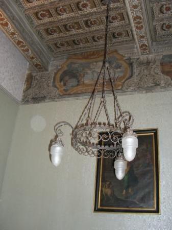 Suore di Santa Elisabetta: The interior contains beautiful coffered ceilings