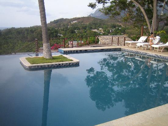 Casa Bonita Tropical Lodge: pool
