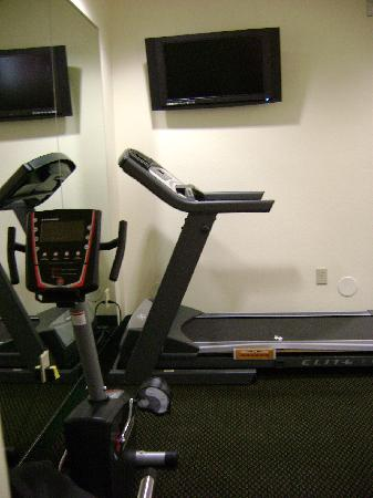 Microtel Inn & Suites by Wyndham Port Charlotte: part of Exercise Room