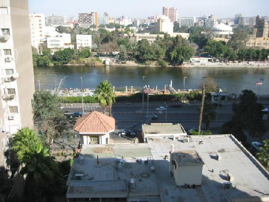 Pharaohs Hotel & Casino: From the Restaurant looking towards downtown Cairo