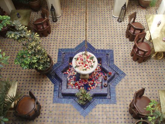 Riad le Clos des Arts: Il cortile/sala centrale