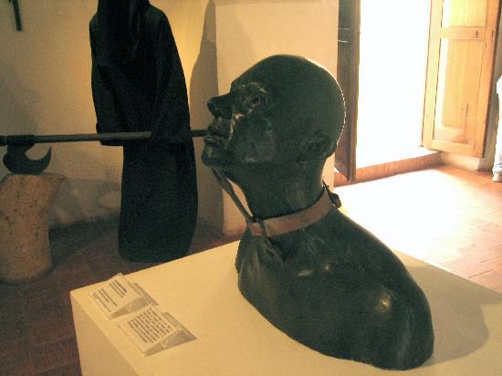 Museo Historico de Cartagena de Indias : Another type of torture.  Not sure what it is.