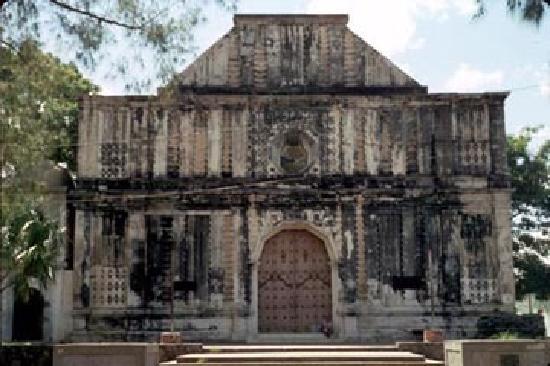 San Vicente, El Salvador: iglesia del pilar