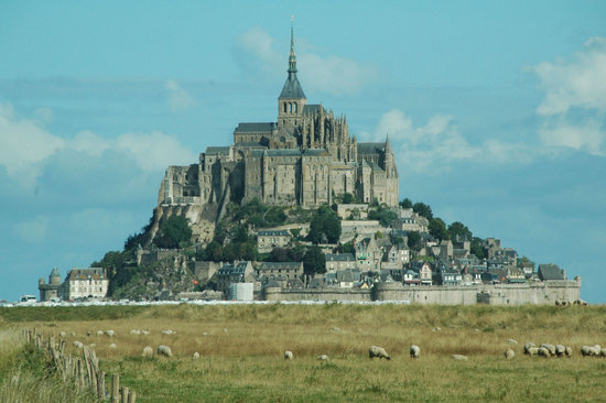 Mont-Saint-Michel, Frankrike: A beautiful day at Mont St Micel