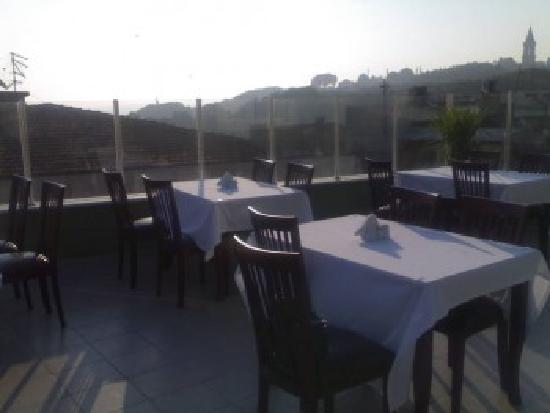 Kafkas Hotel Istanbul: terrace