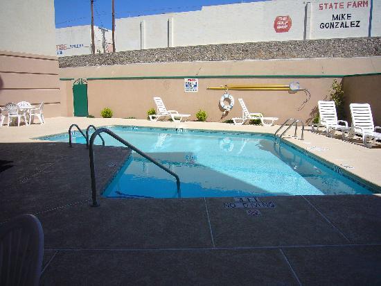 Holiday Inn El Paso Airport: Pool