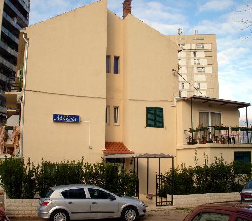 Villa Marjela: building exterior