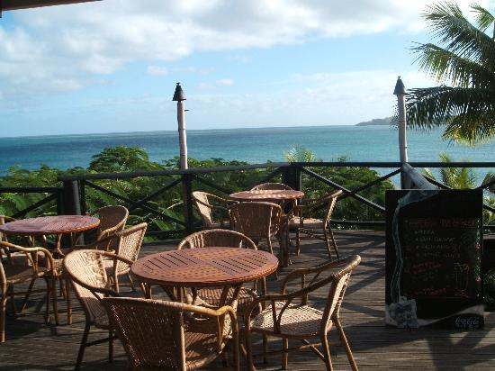 Wananavu Beach Resort: More views from eating area-main lodge