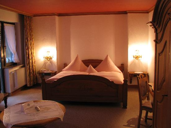 Hotel Eurener Hof : The Sleeping Area, Room 231