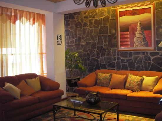 Hostal Helena Inn: Lobby