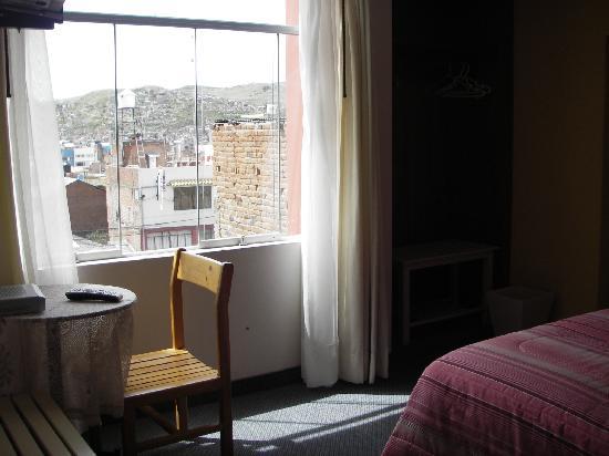 Hostal Helena Inn: Sitting area in room