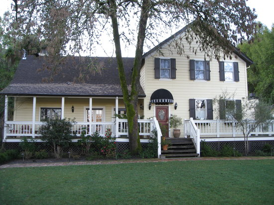 Farmhouse Inn: The main building