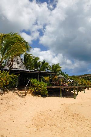 Galley Bay Resort: The sundowner bar at Galley Bay