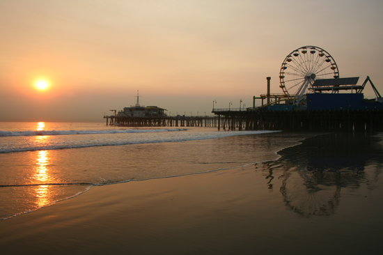 Санта-Моника, Калифорния: santa monica pier at sunset
