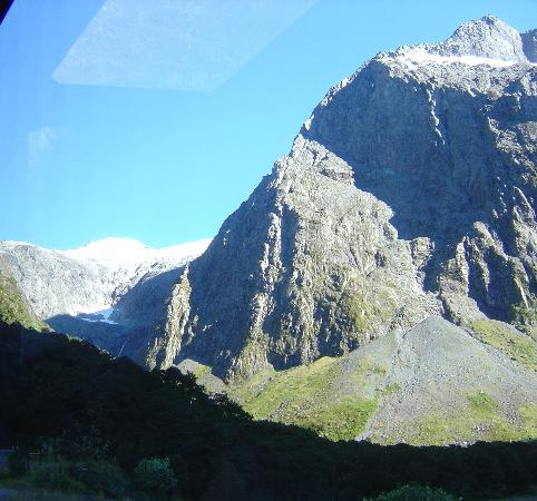 Southern Alps betw. Te Anau and Milford Sound