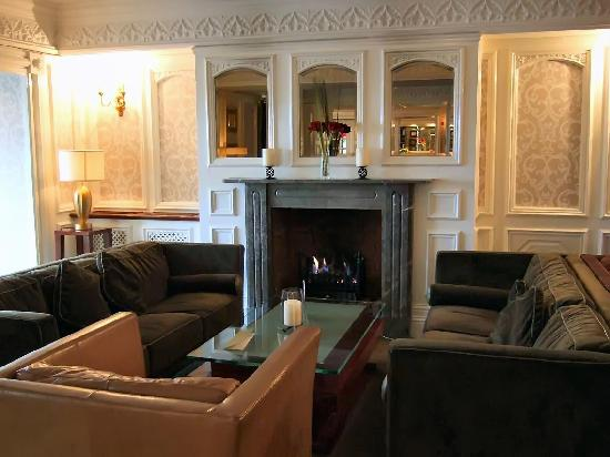 Bunratty Castle Hotel: Open fire: I love this feature!