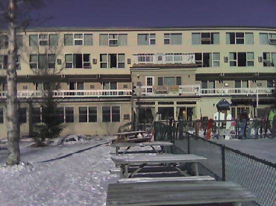 Sugarloaf Inn : The middle of the building, second floor, shows the deck that was attached to our room
