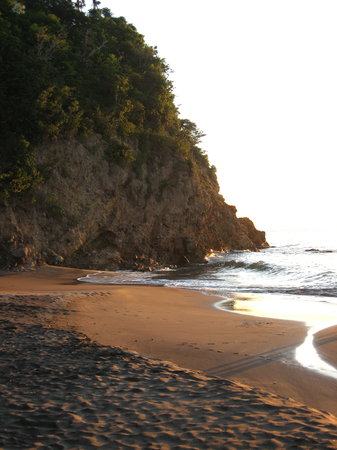 Montserrate: woodlands beach  @ sunset
