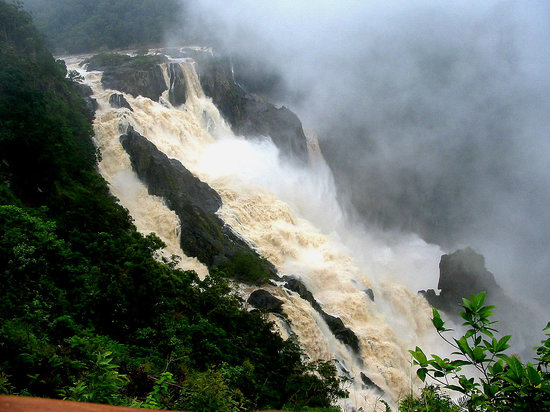 Kuranda, Australien: Barron Falls in rainy season