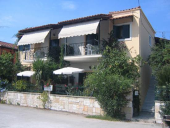 Photo of Grivas Apartments Sivota