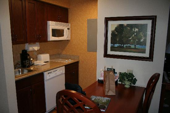 Homewood Suites by Hilton Lexington : This is the kitchen. Small, but functional.