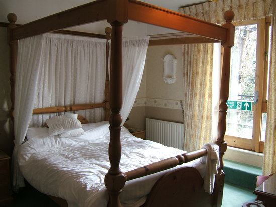 Oak Bank Hotel: lovely 4 poster bed